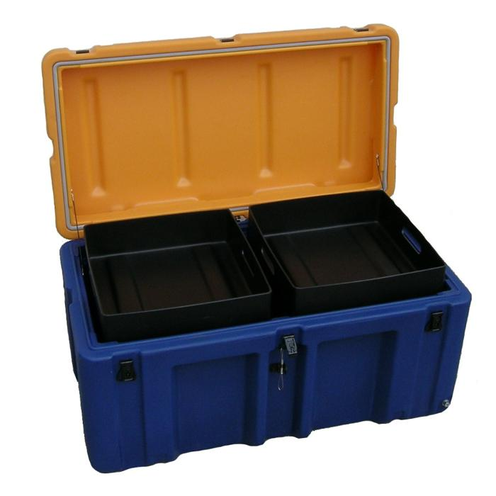 AP3013-1303_FOOTLOCKER_TRUNK_CASE
