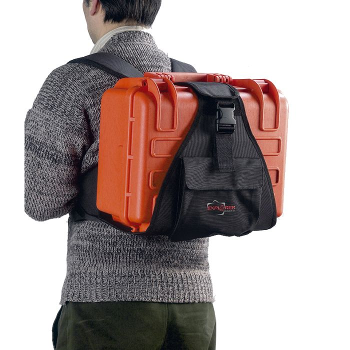 EXPLORER_BACKPACK-M_CARRY_CASE_WORN