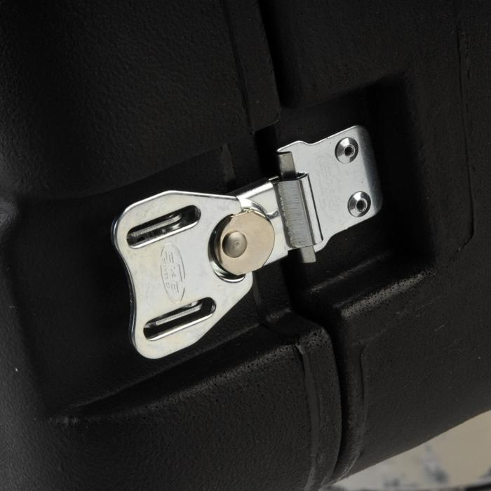 SKB_1SKB-R916U20_TWIST_LATCH_DETAIL